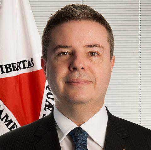"""""""O Poder Legislativo como parte integrante das políticas públicas"""""""